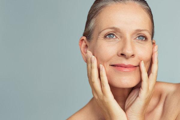 CoQ10 può aiutare a mantenere la pelle giovane e sana